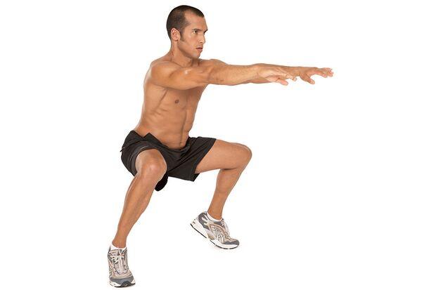 Kniebeugen im breiten Stand mit angehobenen Fersen