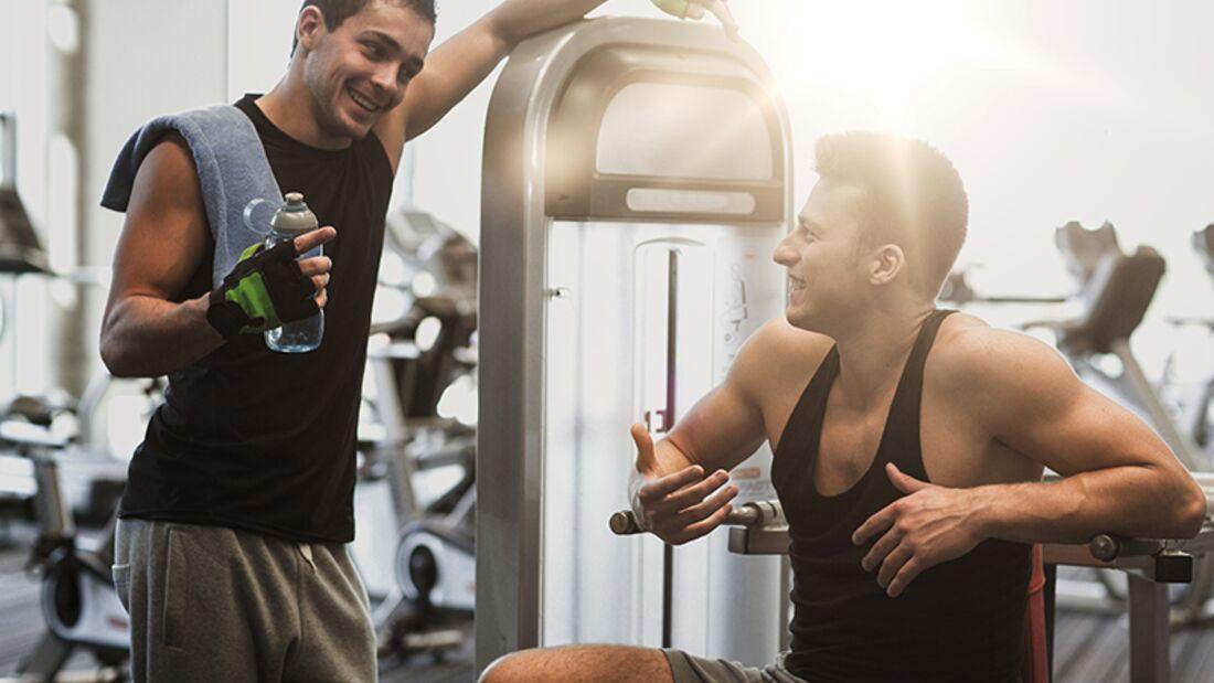 Können wir uns bei dem Gerät abwechseln? Diese Fragen nerven im Fitness-Studio