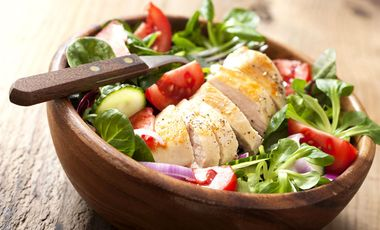 Kohlenhydratarme Salat-Rezepte für die Low Carb-Diät