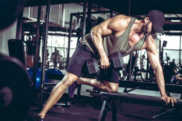 Kraft statt Schwung für den Muskelaufbau