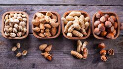 Krass: So viele Kalorien haben Nüsse!