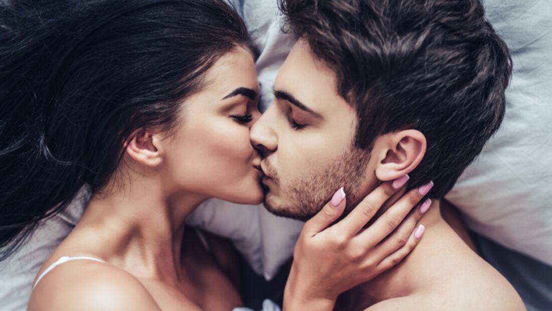 Küssen kann man lernen: so geht's!