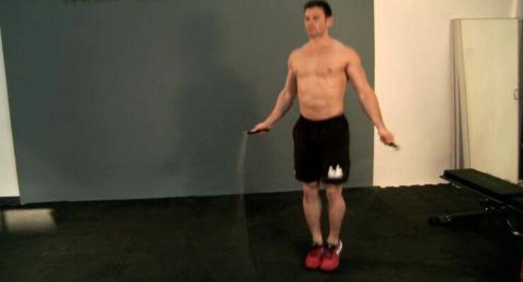 Kurze-Hosen-Wetter, aber Ihre Waden sind muskulär unterversorgt? Mit diesem Workout lassen Sie Ihre Unterschenkel im Turbo-Tempo wachsen