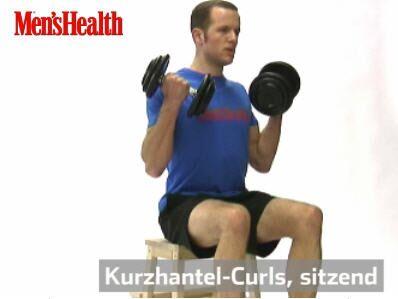 Kurzhantel-Curls:<br /> Beide Arme gleichzeitig beugen, dabei die Handrücken nach vorne drehen. Gewichte auf Schulterhöhe führen, dort kurz halten, danach ganz bewusst langsam senken.<br /> 2–3 Sätze, je 10–15 Wiederholungen