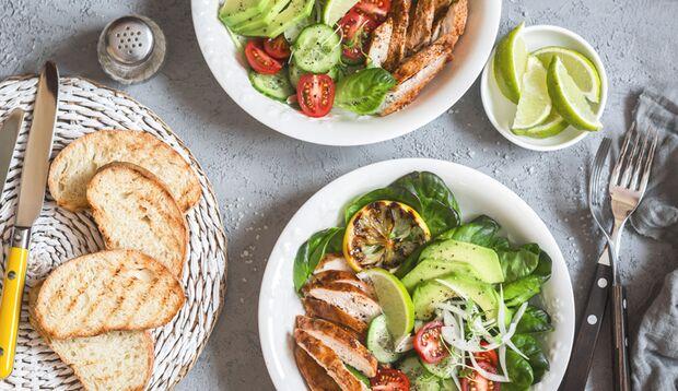 Lassen Sie das Brot zum Salat weg