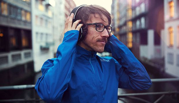Laufen mit Kopfhörern