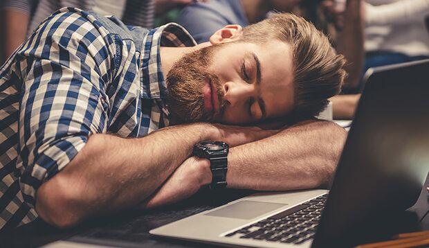 Letzte Nacht schlecht geschlafen? Wir verraten, wie Sie die Müdigkeit überwinden