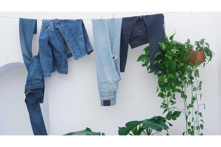 Nach weiße waschen schwarze jeans flecken Streifen auf