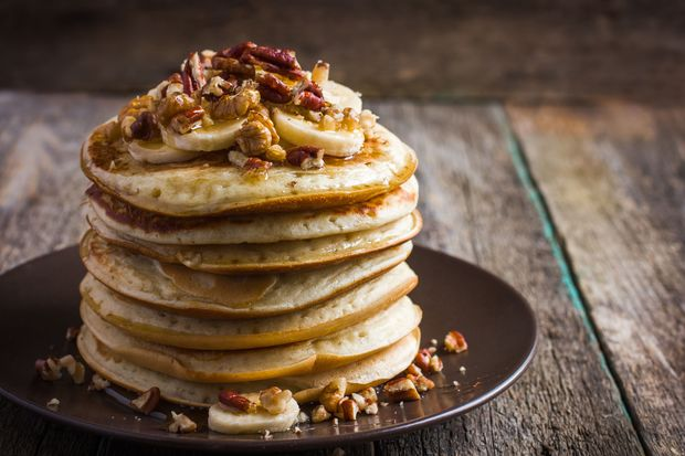 Low-Carb-Pancakes mit Banane und Buttermilch