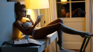 Männer können viel über die weibliche Psyche erfahren, wenn sie wissen, was Frauen heimlich googeln
