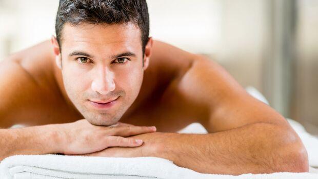 Massagen lindern durch Osteoporose verursachte Schmerzen