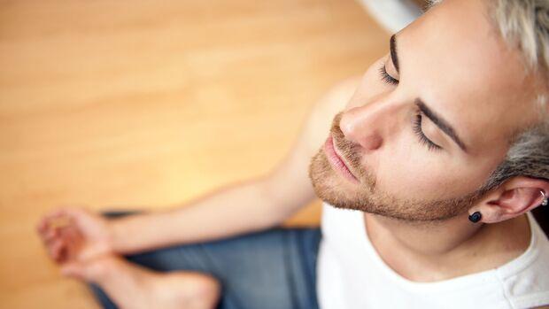 Meditieren hilft gegen Stress im Home-Office