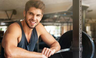 Men's Health  Titelheld Zack verrät die Tricks, mit denen er sein Krafttraining optimiert hat