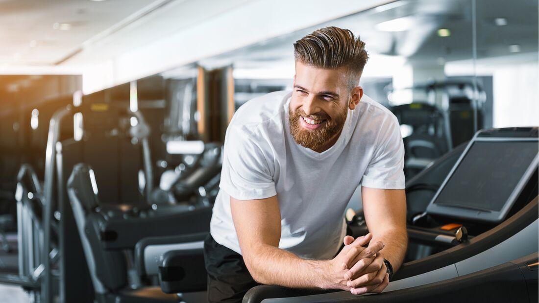 Mit diesen 9 Tipps kannst du deine Workouts effizienter machen und sind garantiert schneller unter der Dusche