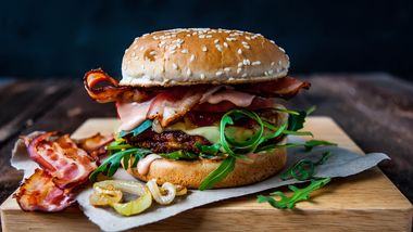 Mit diesen Burger-Rezepten gelingt selbst Kochmuffeln der perfekte Burger