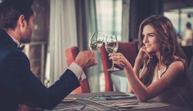 Mit einem romantischen Dinner punkten Sie immer
