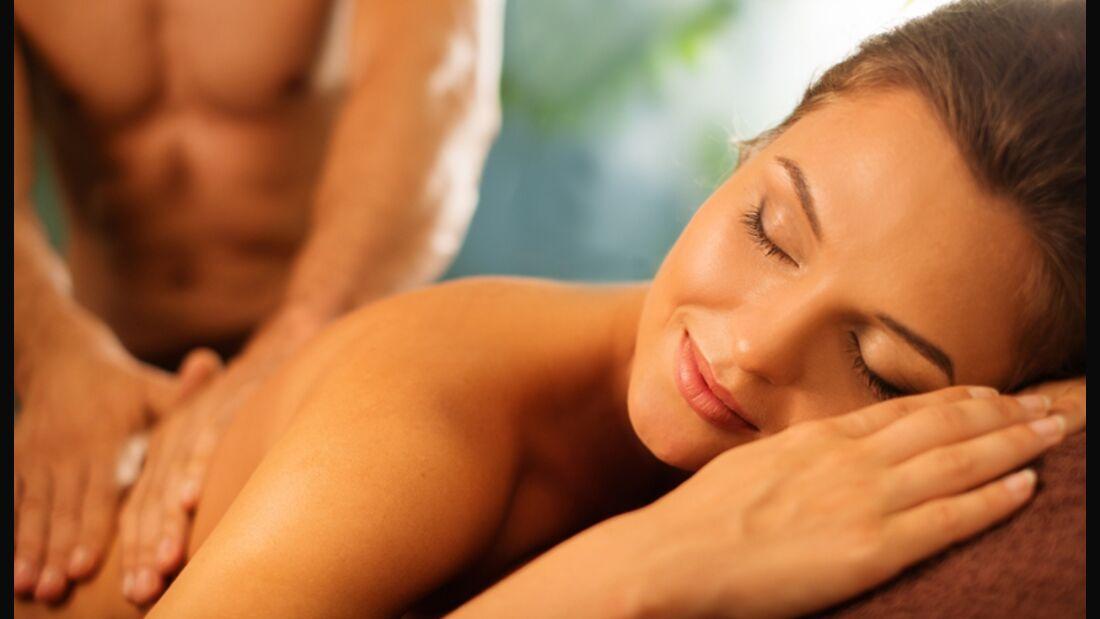 Mit einer Massage beweisen Sie Mausi Ihre Liebe