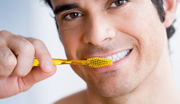 Mund-und Zahnpflege