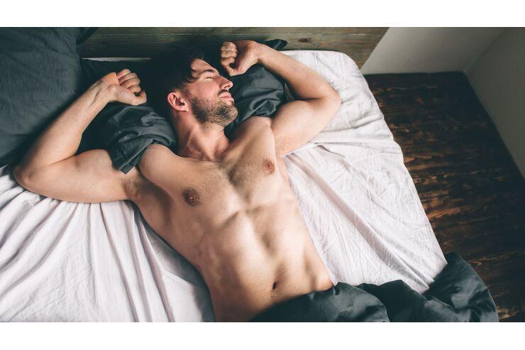 7 Gründe, warum du nackt schlafen solltest