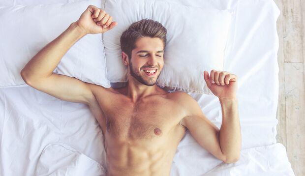Nackt schlafen reduziert Körpergerüche.