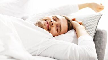 Nur wer die Tiefschlafphase erreicht hat, wacht wirklich entspannt auf