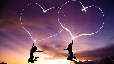 Nur wer zwischen Verliebtsein und Liebe unterscheiden kann, schafft den Sprung ins Glück