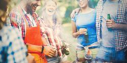 Ob Smoker, Holzkohle-, Elektro- oder Gasgrill: schmecken tut das Grillgut von jedem Grill