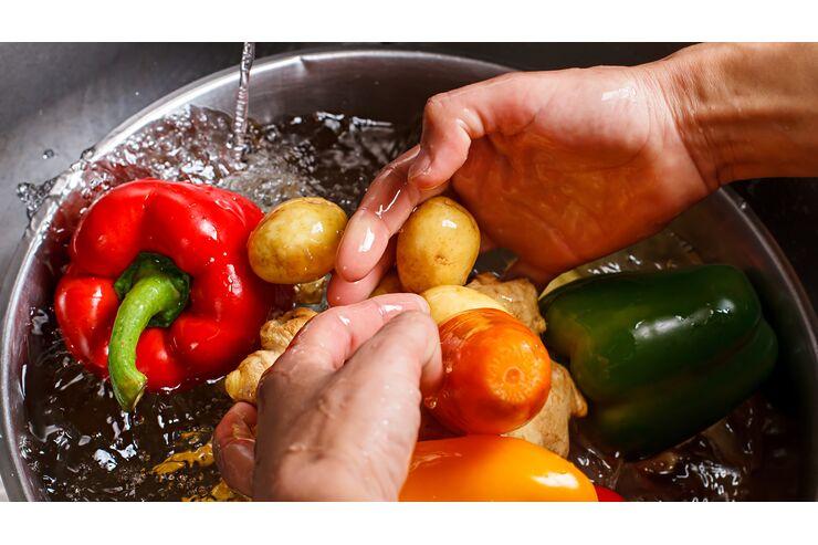 So wascht ihr euer Obst und Gemüse richtig