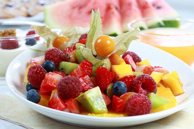 Obstsalat sollte man immer frisch verzehren