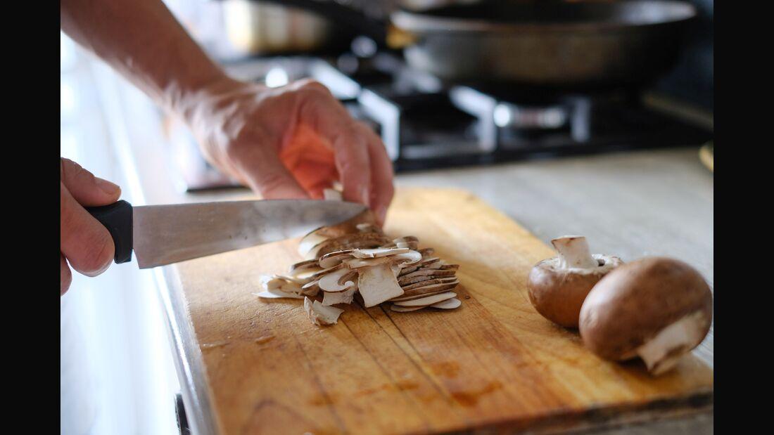 Pilze enthalten wenige Kalorien, jedoch viele Vitamine und Mineralstoffe