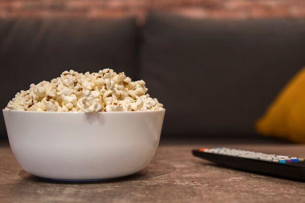 Popcorn kannst du auch bequem zuhause machen