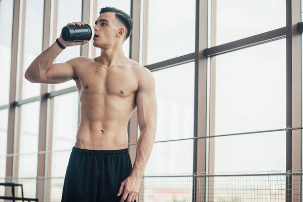 Proteinpulver versorgt dich mit Eiweiß