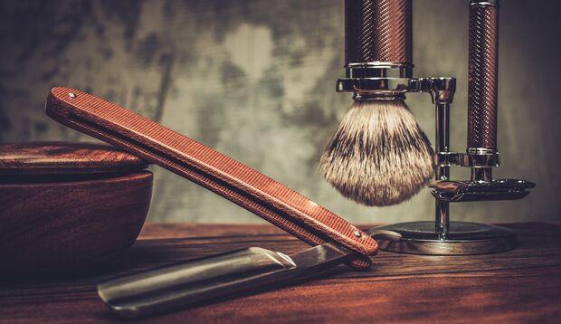Rasiermesser rasieren die Konturen eines 3-Tage-Barts am besten