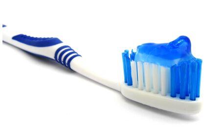 Raucherzahncremes zerstören Zahnschmelz