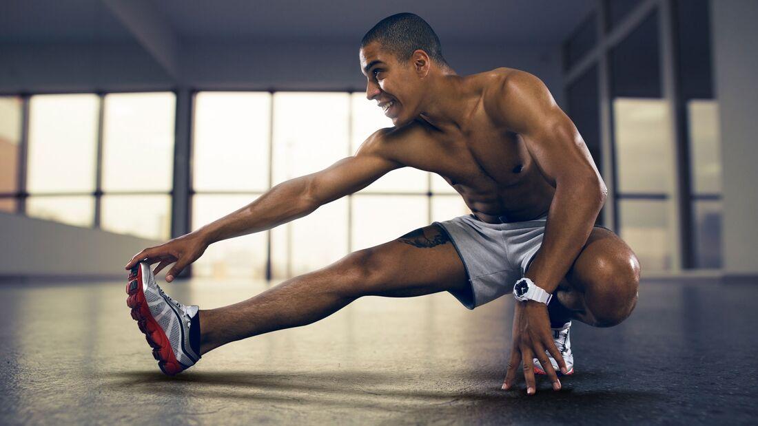 Regelmäßiges Dehnen kann eine Achillessehnen-Verletzung vorbeugen