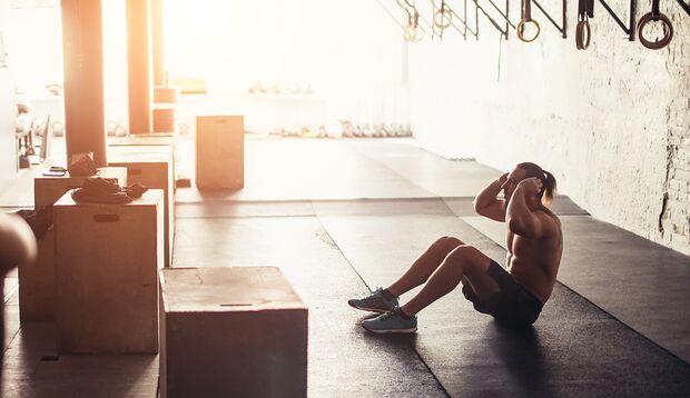 Regelmäßiges Training lässt Sie nicht auf Ihren Extra-Pfunden sitzen.
