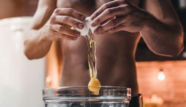 Rohe Eier zu essen ist nicht gesund