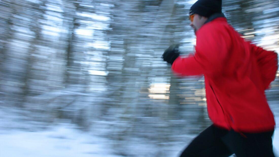 Schnee-Laufen hält Sie fit im Winter