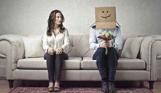 Schüchterne fühlen sich gehemmt, unsicher, und schnell verängstigt