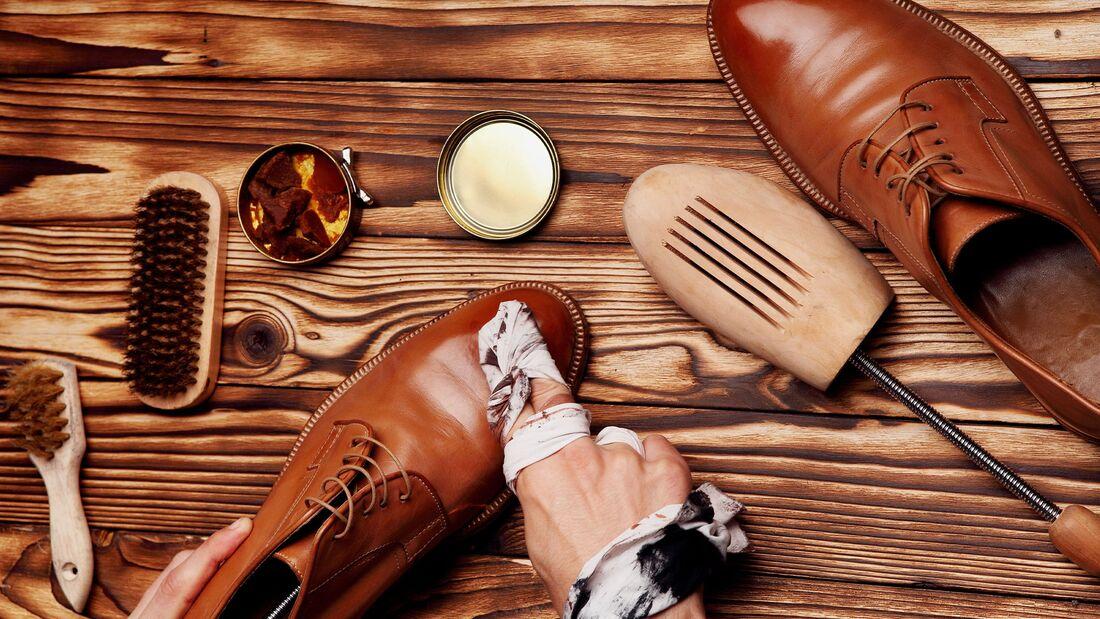 Schuhe putzen: So funktioniert die richtige Schuhpflege