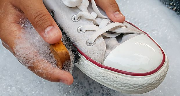 Schuhe richtig pflegen Sneaker