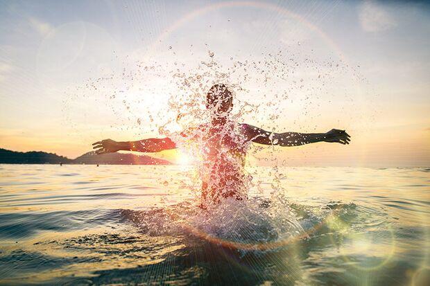 Schwimmen: bei keiner anderen Ausdauer-Sportart verbrennen Sie so viele Kalorien in kürzester Zeit