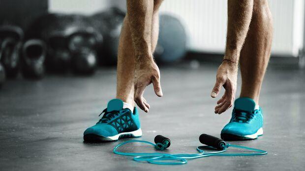 Seilspringen ist ideal als Warm-up und kurze, intensive Ausdauereinheiten