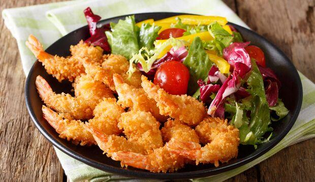 Shrimps in Panko paniert sind lecker, aber fettreich