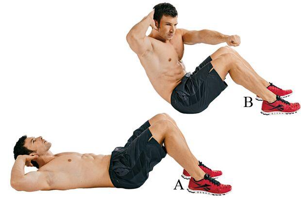 Sit-ups mit Fauststoß stählen Bauch und Schultern