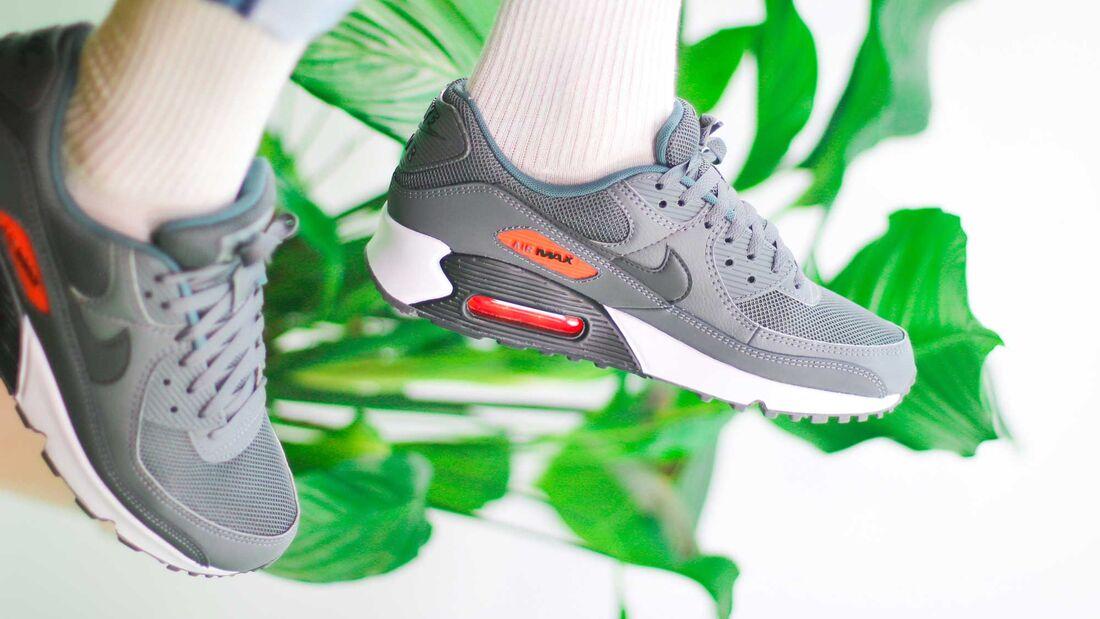Sneaker Sale-Shopping
