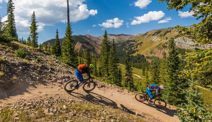 So cool ist Outdoor Urlaub in Aspen MEN'S HEALTH