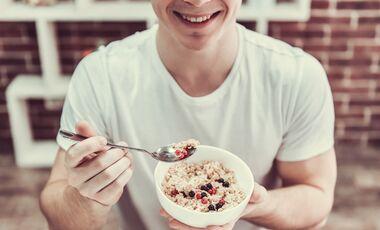 So enthält dein Oatmeal noch mehr Eiweiß