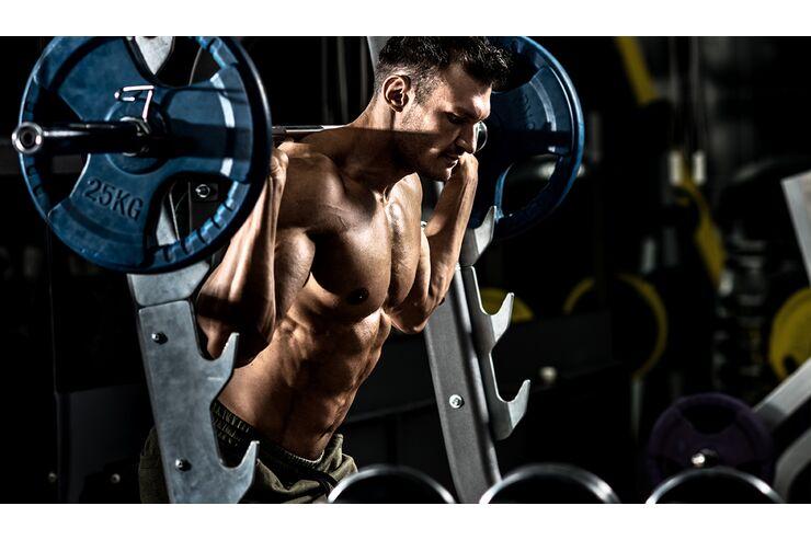 Routinen mit Gewichten, um Arme zu verlieren