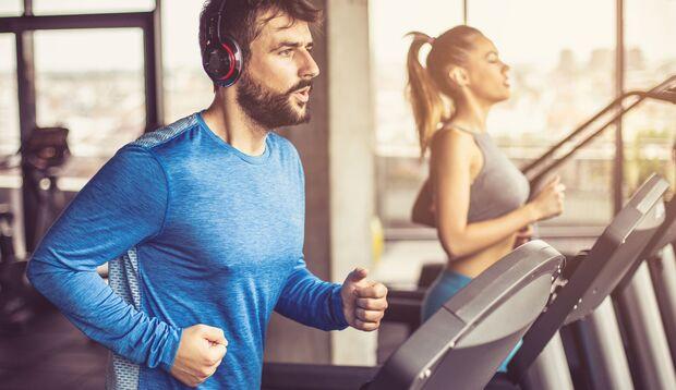 Sport im Studio kann einen aktiven Alltag nicht ersetzen